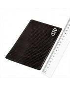 Коврик панели противоскользящий SW плоский с малой эмблемой Audi 150*90*3мм